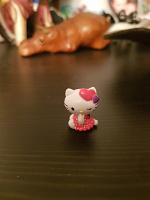 Отдается в дар Фигурка hello kitty