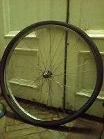 Отдается в дар велосипедное колесо 28 Желайте, пожалуйста.