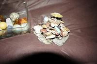 Отдается в дар Подсвечник из камней и сами Камни, остатки коллекции.