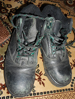 Отдается в дар Кожаные ботинки. Размер 35.