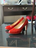 Отдается в дар Туфли лаковые красные_Gabor_38,5 размер