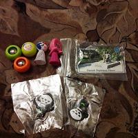 Отдается в дар Коллекционное: прыгскокеры, мячики из Пятерочки и т.д.