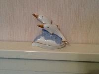 Отдается в дар Статуэтка Дельфинчики