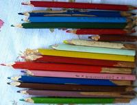 Отдается в дар карандаши самоцвет и простые
