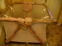 Отдается в дар детский манеж и пеленальный стол (все с недочетами)