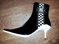 Отдается в дар Новые кожаные ботиночки 38 разм.