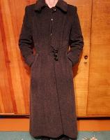 Отдается в дар Пальто женское в хорошем состоянии (неск. фото)