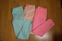 Отдается в дар Яркие женские джинсы, 3 пары