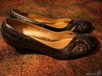 Отдается в дар Нарядные новые кожаные туфли clotilde