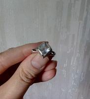 Отдается в дар Кольцо серебро с фианитом