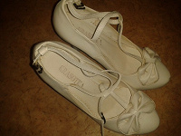 Отдается в дар Туфли белые