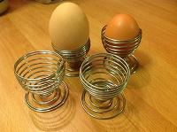 Отдается в дар Яйцедержатели или подставка под яйцо!?