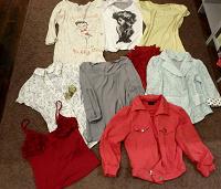 Отдается в дар Туника, футболки, жакеты, рубашки-S