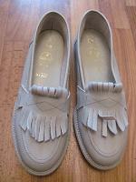 Отдается в дар ботинки женские 37 размера