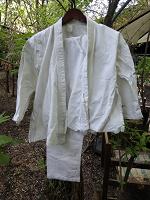 Отдается в дар Детское кимоно и 2 пары штанов