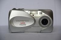 Отдается в дар Фотоаппарат Олимпус С-350 на запчасти