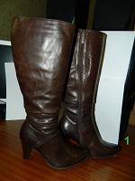 Отдается в дар Обувь женская — сапоги, босоножки, туфли. Размер 37.
