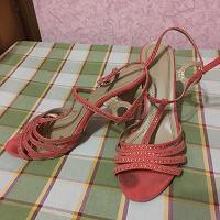 Отдается в дар Обувь 39 размера