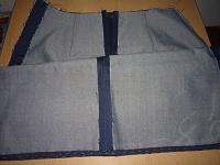 Отдается в дар Юбка джинсовая в раскрое