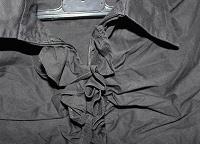 Отдается в дар блуза черная с рюшами 42р