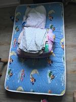 Отдается в дар Детский матрас и одеяло