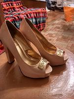 Отдается в дар Лакированные туфли на высоком каблуке р. 38,5