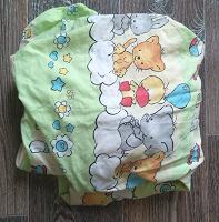 Отдается в дар Простыня на резинке детская.