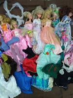 Отдается в дар Для маленьких принцесс куклы+ наряды