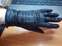 Отдается в дар женские кожаные перчатки две пары