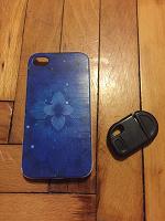 Отдается в дар Чехол и супер зарядка для 4того IPhone