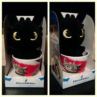 Отдается в дар Наклейки и игрушка из магазина «Магнит»