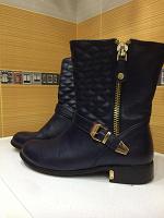 Отдается в дар Женские ботинки. 38 размер
