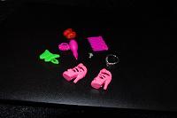 Отдается в дар аксессуары для кукол Барби и аналогов