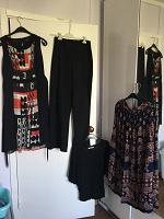 Отдается в дар Женская одежда 46 размера. Юбки, платья, кофты, пиджак.
