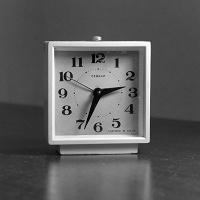 Отдается в дар Настольные часы-будильник «Севани» (СССР)