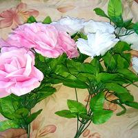Отдается в дар Два букетика роз по 5 шт.