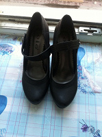 Отдается в дар Туфли на каблуке,40 размер.
