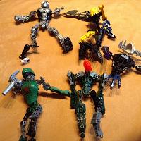Отдается в дар Конструктор: человек-паук и др роботы-трансформеры