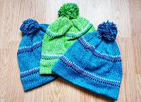 Отдается в дар Три шапки из фикс-прайса