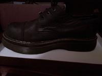 Отдается в дар ботинки мужские (для представителей субкультур ЭМО чтоль)