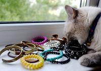 Отдается в дар Куча разнообразных браслетов