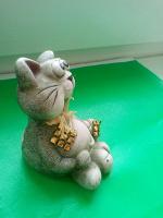Отдается в дар Фигурка котика.
