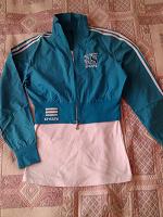 Отдается в дар Спортивная курточка р-р 44