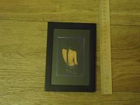 Отдается в дар Картинка в рамке с подставкой как для фото Картинка в рамке с подставкой как для фото, не большая