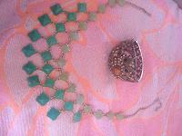 Отдается в дар Браслет совушки и зелёное колье
