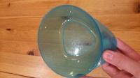 Отдается в дар Глубокая пластиковая тарелка