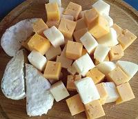 Отдается в дар Сыр, опять сырная тарелка)