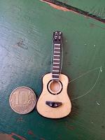 Отдается в дар Маленькая Гитара сувенир