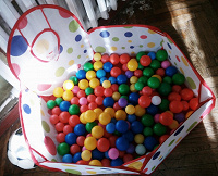 Отдается в дар Бассейн с шариками