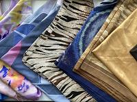 Отдается в дар Разнообразные квадратные платки